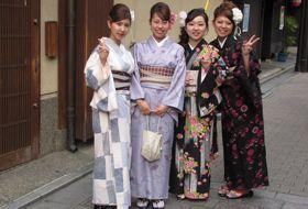 sakura lentebloesem reis Japan kimono iki Travels