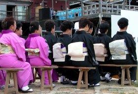 kleurrijk japan reis japanse dames iki Travels