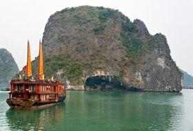 Vietnam halong Bay 2