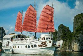 Vietnam fotografiereis Halong bay junk