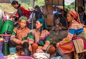 Vietnam fotografiereis Sapa markt dames