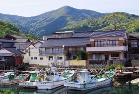Izuhara Port iki Travels