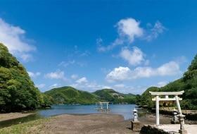 Watatsumi Shrine 2 iki Travels